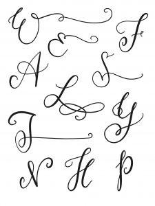 Großbuchstaben mit Verzierungen