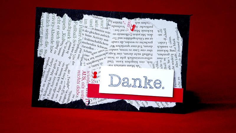 Selbst gemachte Dankeskarte aus Zeitschriftfetzen und Tonkarton